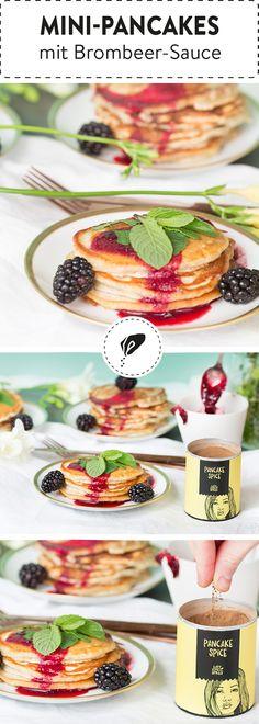 Wir lieben die fluffigen amerikanischen Pfannküchlein. Getoppt mit einer fruchtigen Brombeersache schmecken die leckeren Pancakes einfach fantastisch.