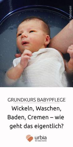 Wickeln, waschen, baden, cremen: In unseren Basics der Babypflege. Baby Tips, Baby Care Tips, Mom And Baby, Our Baby, Baby Baby, Baby Room Boy, 21 Questions, Baby Supplies, Trendy Baby