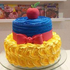 Que lindo este bolo!! Pic via @cakeldocesgourmet #encontrandoideias #blogencontrandoideias