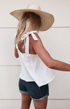 Umi Tie Top - white linen summer style. Killer looks for vacay & every day. Australian women's fashion store. Ships worldwide. 10% OFF first purchase when you subscribe. FREE Aus shipping when you spend over $150.