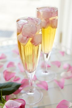 Find a romantic spot to enjoy this elegant champagne cocktail. The fresh sweet taste of English strawberries, enhanced by the subtle flavours of rose water make this a delicious drink to celebrate with.