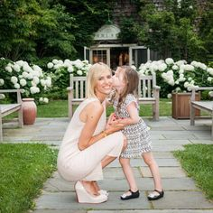Totally smitten with little Kingsley + her mama @kristentaekman in our linen dress! Walking around the Hamptons in this dress is what we are dreaming of today! | Shop this dress on our Pinterest. Link above!