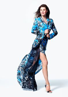 Supermodel Linda Evangelista has been named the face of The Room at Hudson's Bay's spring-summer 2015 campaign. In the images, Linda wears top designer looks… Fashion Images, Fashion Photo, Fashion Models, Linda Evangelista, Sexy Dresses, Casual Dresses, Summer Dresses, Blue Dresses, Pamela Hanson