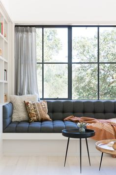 Modern Farmhouse Family Room Large Window with Black Window Trim window ideas Modern Farmhouse Black Window Trim Ideas – Pickled Barrel Farmhouse Family Rooms, Farmhouse Style Kitchen, Modern Farmhouse Kitchens, Farmhouse Decor, Farmhouse Ideas, Farmhouse Windows, Outdoor Kitchens, Outdoor Rooms, Outdoor Living