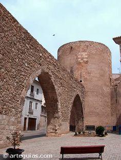 Acueducto y Torré del botxí o del verdugo en Segorbe. Castellón