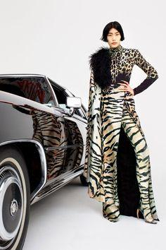 Fashion Week, Fashion 2020, Runway Fashion, High Fashion, Fashion Outfits, Women's Fashion, Fashion Lookbook, Milan Fashion, Fashion Trends