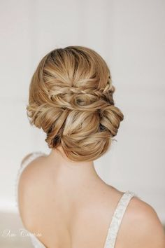 Loose chignon with braid accent ~ Steal-Worthy Wedding Hairstyles Romantic Wedding Hair, Wedding Hair And Makeup, Wedding Updo, Bridal Hair, Hair Makeup, Wedding Blog, Bridal Bun, Bridal Braids, Makeup Salon