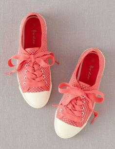 I've spotted this @BodenClothing Spotty Canvas Plimsolls Guava Pinspot