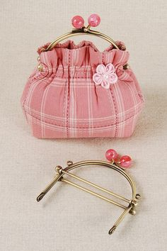 Ball clasp frame purse | Flickr - Photo Sharing!