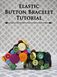 A great addition to your jewelry wardrobe, this fun and funky elastic button bracelet can be made in an afternoon. Button Art, Button Crafts, Diy Jewelry Tutorials, Jewelry Crafts, Handmade Silver, Handmade Jewelry, Jewelry Insurance, Button Bracelet, Chain Bracelets