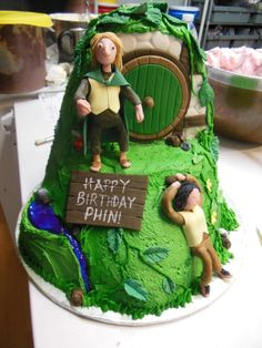 """""""The Hobbit"""" inspired cake - we made an edible scene from Bag End."""
