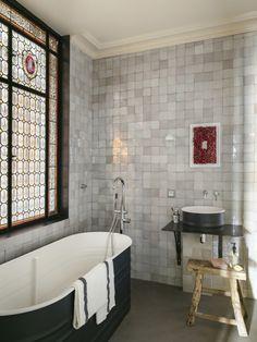 via heavywait - modern design architecture interior design home decor & Best Interior, Home Interior Design, Interior Decorating, Merci Paris, Paris Bathroom, Bathroom Rules, Bathrooms, Bathroom Ideas, Turbulence Deco