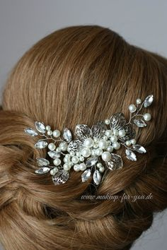 Bridal Haircomb with imitated pearls and von elstileaccessories