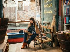 "MANGO's new Violeta by MANGO Venice Diaries ""unique trips to Venice"" #AW16 editorial feat. Charlotte Jones #WeAreVioleta plus size fashion #curvywomen Look-0012"