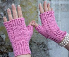 Ravelry: Roosa Ruusu pattern by Emma Karvonen Knitted Mittens Pattern, Knit Mittens, Knitting Patterns, Crochet Patterns, Knitting For Kids, Free Knitting, Knitting Projects, Wrist Warmers, Hand Warmers