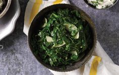 butter-and-collard-greens Healthy Food, Healthy Recipes, Collard Greens, Low Calorie Recipes, Palak Paneer, Healthy Choices, Spinach, Garlic, Food Ideas