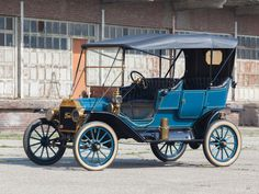 1911  Ford Model T Touring - (Ford Motor Company, Dearborn, Michigan 1903-present)