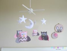 Dreamtime+Baby+Owls+-+Marshmallow+Pink+and+Grey+Felt+Baby+Mobile+-+with+Chevron+and+Buttons