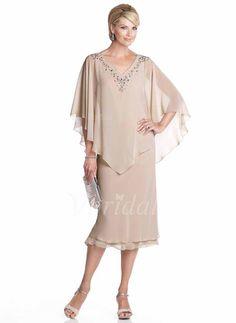 Kjoler til Brudens Mor - $132.46 - Jakke V-hals Te-længde Chiffon Kjole til Brudens Mor med Perlebroderi (0085055955)