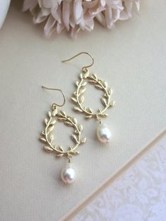 Laurel Wreath Earrings. Cream Ivory Teardrop Pearl Gold Laurel