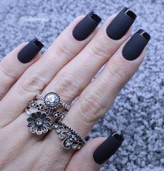 q lindo color Matte Nails, Black Nails, Stiletto Nails, Toe Nail Art, Acrylic Nail Art, Simple Nail Art Designs, Nail Designs, Fun Nails, Pretty Nails