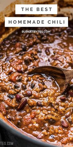 This is the BEST homemade chili recipe. It's super easy and delicious, plus there are plenty of ways to customize it and make it your own. Chili Recipes, Crockpot Recipes, Chili Seasoning, Homemade Chili, Tomato Paste, Ground Beef, Entrees, Delish, Soup