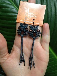 Macrame Cat earrings par creationsmariposa sur Etsy