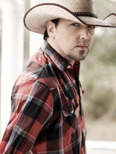 Jason Aldean - Tattoos On This Town - Watch video here: http://dailycountryvideos.com/2012/03/23/jason-aldean-tattoos-on-this-town/
