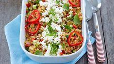 cold pasta salad recipes for bbq Vegetarian Salad Recipes, Pasta Salad Recipes, Veggie Recipes, Cooking Recipes, Healthy Recipes, Feta, I Love Food, Good Food, Salty Foods