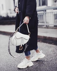 Balenciaga Coat Winter Style 2019 Dior Saddle Bag Oversize Cosy Outfit Ideas Inspo Fashion OOTD Source by jleconteberlin Bags 2019 Luxury Bags, Luxury Handbags, Fashion Handbags, Fashion Bags, Womens Fashion, Luxury Purses, Fashion Purses, Dior Handbags, Fashion Accessories