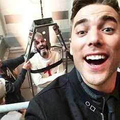 "86 Beğenme, 1 Yorum - Instagram'da Dirk Gently Brasil (@dirkgentlybr): ""Ele vai tirar toda a minha energia... But first, let me take a selfie! #DirkGently…"""