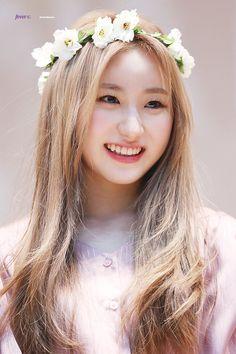 goddess, so beautiful ♥♥♥ Kpop Girl Groups, Kpop Girls, Boy Groups, K Pop, Yuri, Gfriend Sowon, Inazuma Eleven Go, Japanese Girl Group, Fandoms
