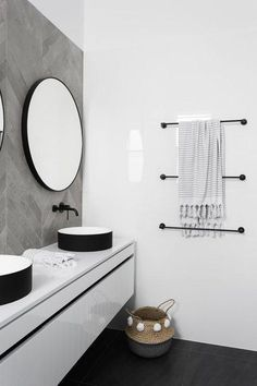 Find bathroom ideas for bathroom remodel and bathroom modern, bathroom design, bathroom vanity, bathroom inspiration and more with before and after bathrooms Read Laundry In Bathroom, Bathroom Faucets, Master Bathroom, Vanity Bathroom, Gold Bathroom, Dark Floor Bathroom, Bathroom Wall, Bad Inspiration, Bathroom Inspiration