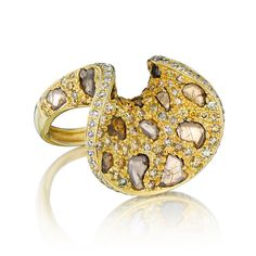 Payal Shah -URBAN JUNGLE FIERCE TOUNGE RING Retail: $5,700 FLONT Member price: $4,845  DESCRIPTION  The urban jungle fierce tounge ring handcrafted in 18K yellow gold and (0.92 ct) slice diamonds, and (1.83 ct) pave diamonds. Size 7	  Membership: $299 a month Borrow: $329 for 4 days OWN $5,700 $4,845 FOR MEMBERS
