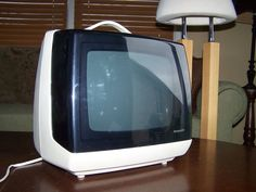 VINTAGE RETRO CASE PORTABLE TELEVISION SHARP 3M-20 RARE WORKS GREAT!!! | eBay