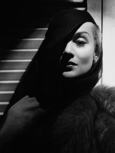Mario Testino on George Hurrell's Most Iconic Photographs - Vogue