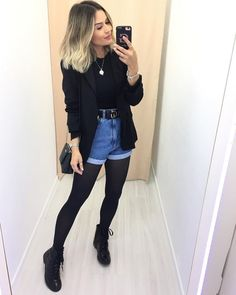 All black and jeans outfit for Fall - ChicLadies. Winter Fashion Outfits, Fall Winter Outfits, Look Fashion, Winter Shorts, Mode Outfits, Short Outfits, Trendy Outfits, Trendy Jeans, Short Jeans