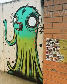 by Rafo Castro in Brazil (LP) - Graffiti Tag Street Art, Urban Street Art, Murals Street Art, Street Art Graffiti, Vexx Art, Mural Art, Art Du Monde, Street Art Utopia, Graffiti Artwork