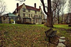 Evanston Art Center, Mid-Autumn by phototravel1/Jim Watkins, via Flickr