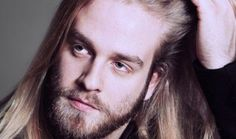 This easy-to-pronounce-artist Eyþór Ingi Gunnlaugsson will represent Iceland. He won the Icelandic pre-selection in early February with his song Ég á líf as he gained the highest score in the joint result of televoting and the verdict of an expert jury.