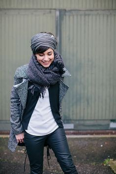 Influence 2019 Foulard et écharpe COS Manteau BB Dakota Gilet Sandro Blouse Best Mountain Jean Freeman T Porter Boots Acne Sac Furoshiki The Link The post Influence 2019 appeared first on Blanket Diy. Mode Outfits, Casual Outfits, Fashion Outfits, Womens Fashion, Mode Style, Style Me, Estilo Hippie, Cooler Look, How To Wear Scarves