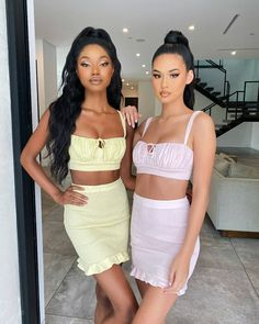 pink or yellow?  . . by @ohpolly  . . . #fashion #style #love #instagood #like # Summer Wardrobe, Special Occasion Dresses, Fashion Show, Two Piece Skirt Set, Spring Summer, Yellow, Model, Pink, Outfits