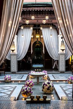 The Royal Mansour lobby, Marrakesh, Morocco 3508 – Interior design Photo Gallery Moroccan Design, Moroccan Decor, Moroccan Style, Moroccan Bedroom, Moroccan Lanterns, Islamic Architecture, Interior Architecture, Gothic Architecture, Design Marocain