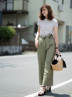 ♥ fashionable casual work outfits you can try this winter 1 Stylish Summer Outfits, Casual Work Outfits, Girly Outfits, Work Casual, Simple Outfits, Chic Outfits, Casual Chic, Trendy Outfits, Work Attire