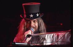 Leon Russell - watch the master of space and time play A Song For You from 40 years ago:  http://youtu.be/37dw2r45Xzg