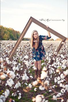 32 Extremely Upsetting Facts About The Class Of 2017 Photography Senior Pictures, Teen Photography, Senior Portraits, Portrait Photography, Cotton Field Photography, Senior Year Pictures, Country Senior Pictures, Picture Poses, Photo Poses