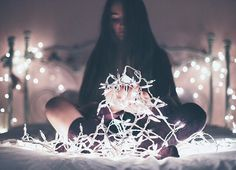 Image about girl in 📸 Photography Winter Photography, Light Photography, Portrait Photography, Christmas Tumblr Photography, Tmblr Girl, Brandon Woelfel, Artsy Photos, Cute Pictures, Photoshoot