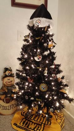 Pittsburgh Steelers Small Painted Round Christmas Tree Ornament ...