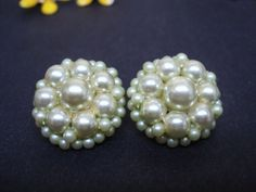 Pretty Vintage Clip Earrings  Pearls  Round  by Goodoldjewelry, $12.99
