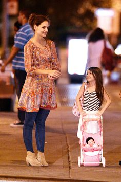 Katie Holmes and Suri Cruise Have a Late-Night City Stroll - www.popsugar.com